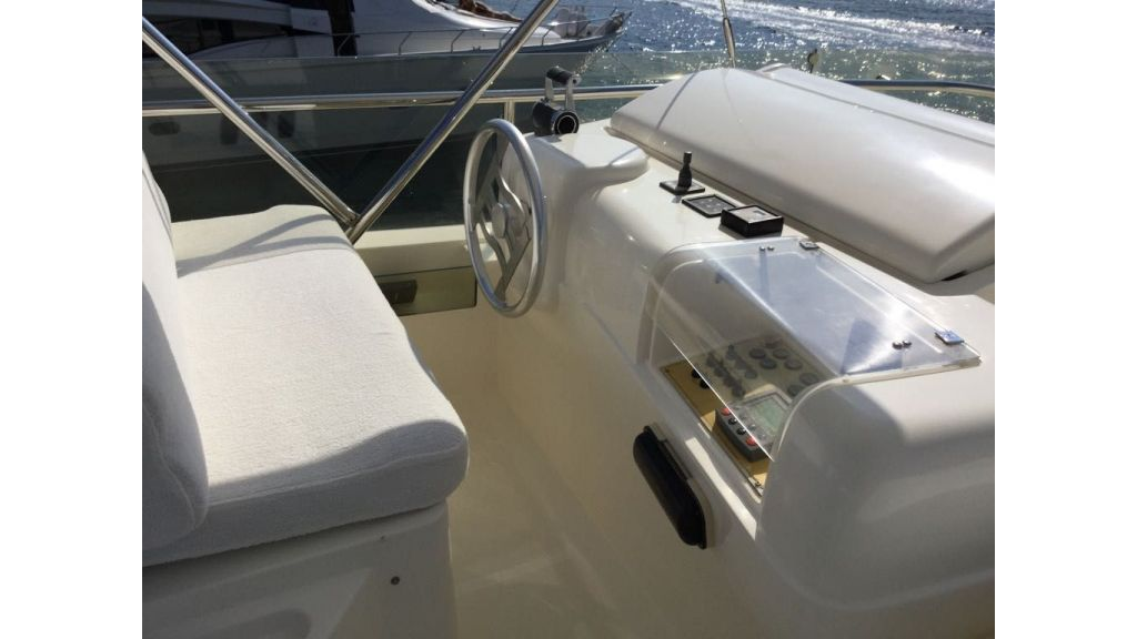 Ferretti-760 motoryacht (43)