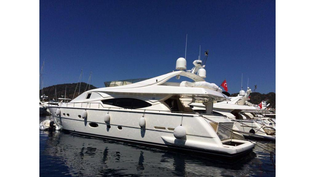 Ferretti-760 motoryacht (6)
