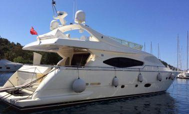 Ferretti-760 motoryacht master