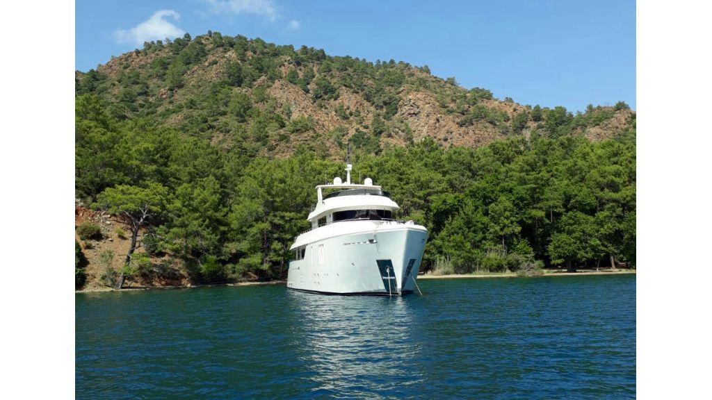 Long Range Trawler (4)