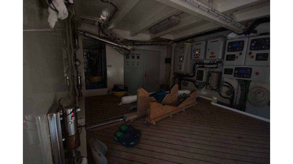 Long Range Trawler (65)
