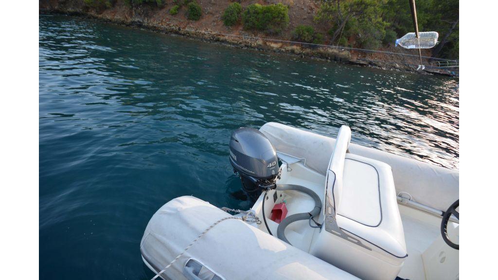 Long Range Trawler (81)