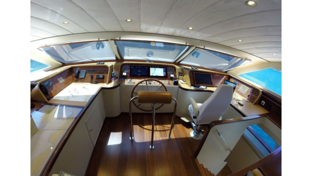 Custom Built Motoryacht (1)