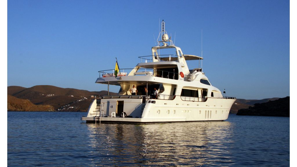 Custom Built Motoryacht (10)