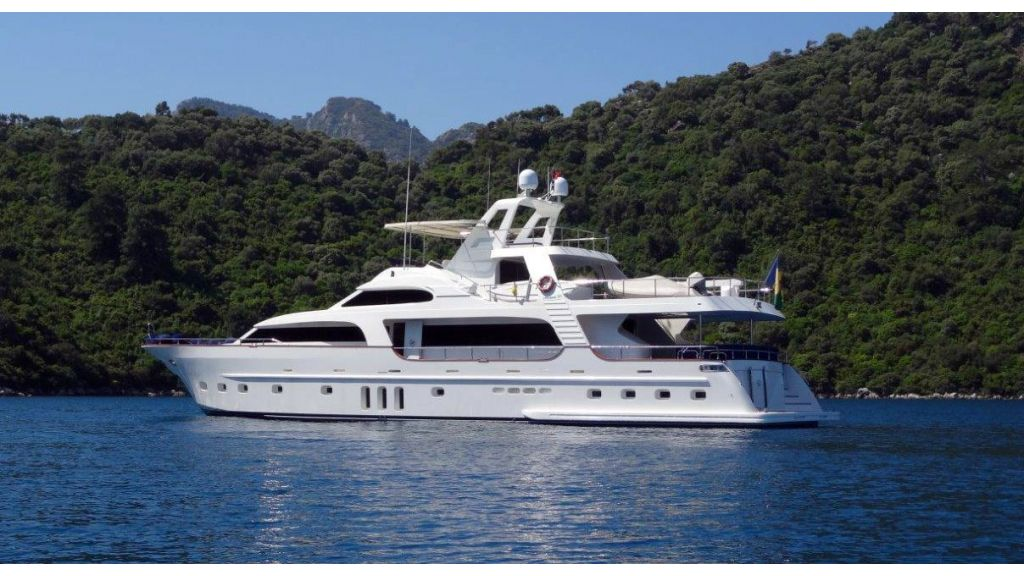 Custom Built Motoryacht (14)