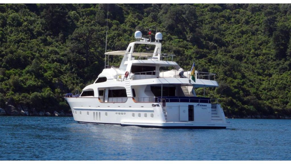 Custom Built Motoryacht (15)