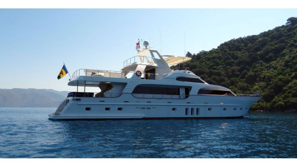 Custom Built Motoryacht (16)