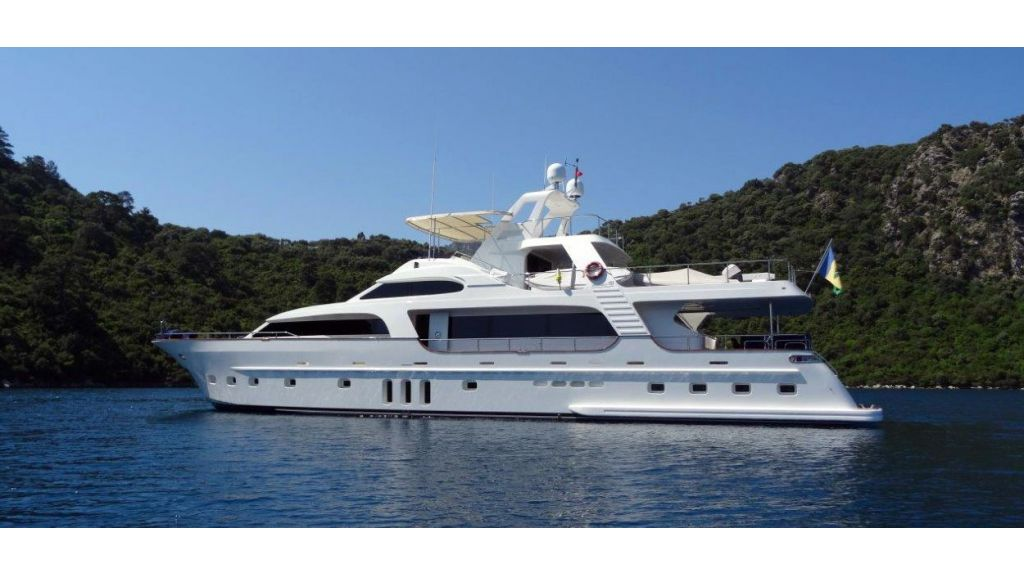 Custom Built Motoryacht (18)