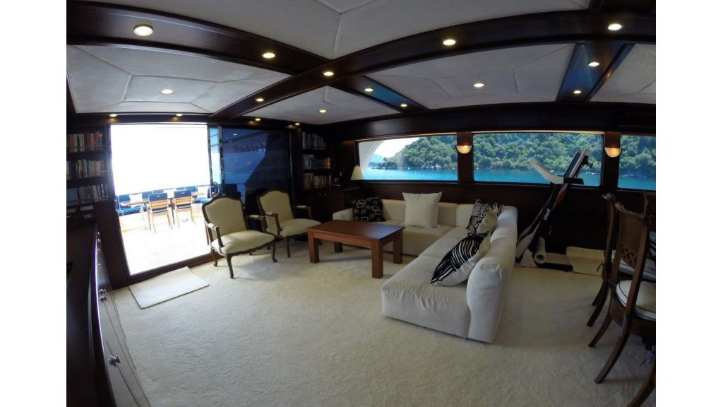 Custom Built Motoryacht (22)