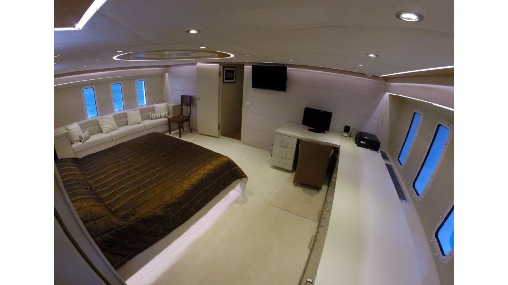 Custom Built Motoryacht (27)