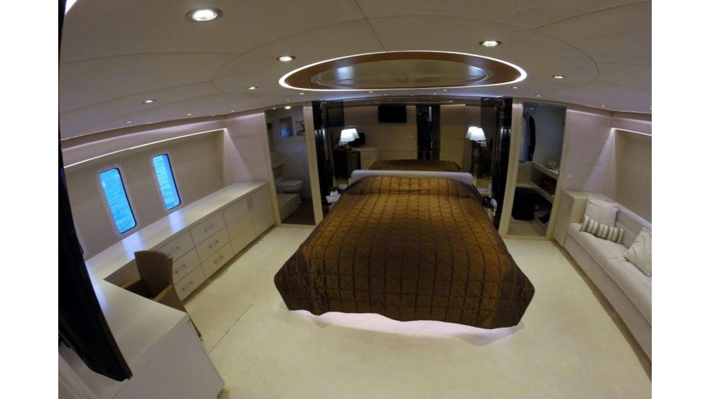 Custom Built Motoryacht (28)
