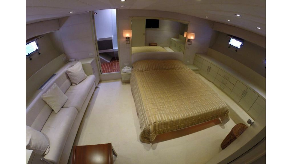 Custom Built Motoryacht (5)