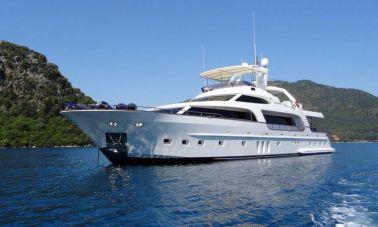Custom Built Motoryacht