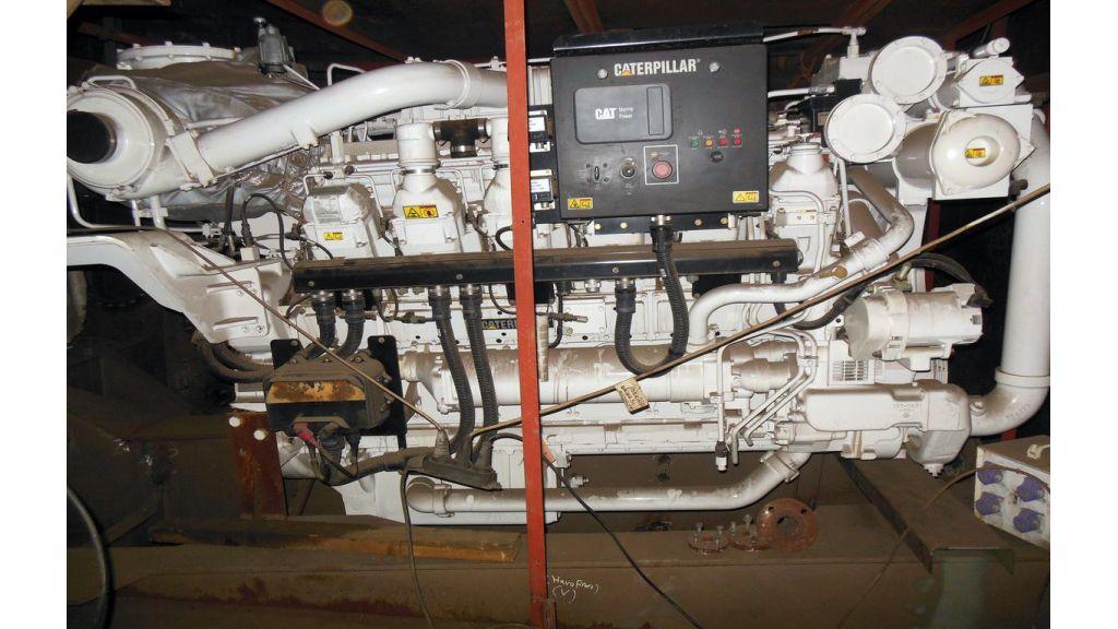 Custom Built Steel Motoryacht (25)