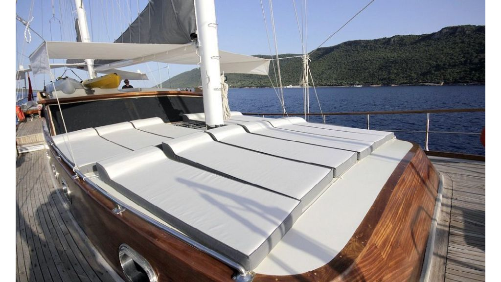 Five Cabins Transom Gulet (10)
