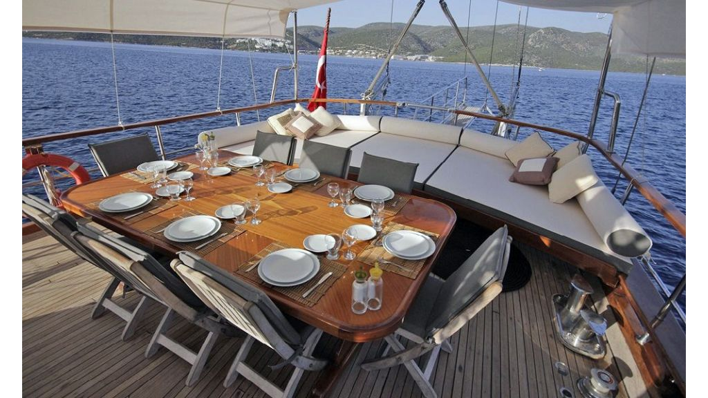 Five Cabins Transom Gulet (14)
