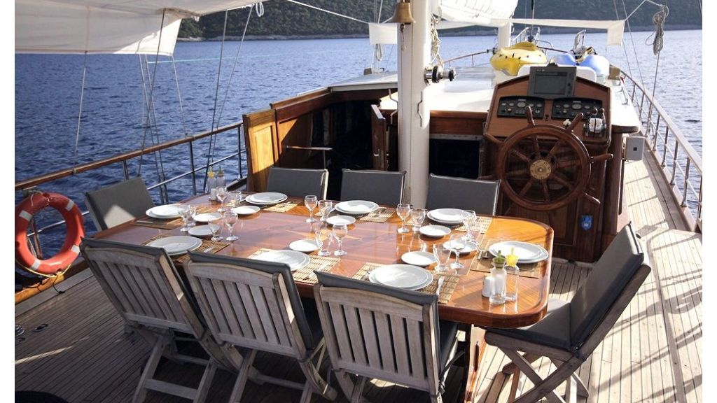 Five Cabins Transom Gulet (15)