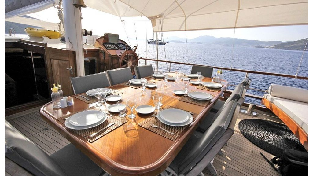 Five Cabins Transom Gulet (16)