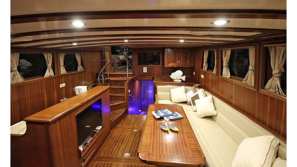 Five Cabins Transom Gulet (21)