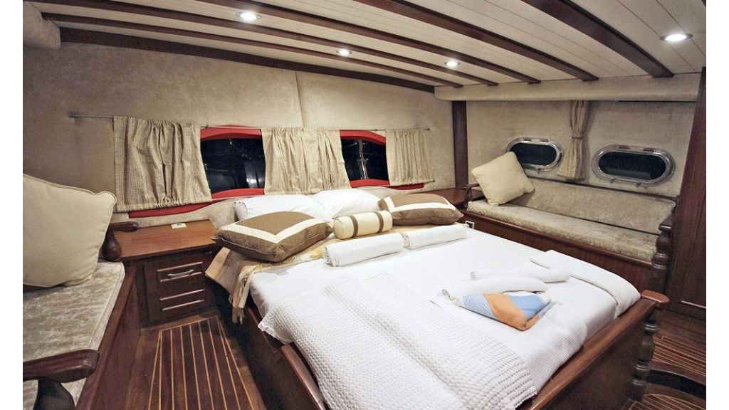 Five Cabins Transom Gulet (24)