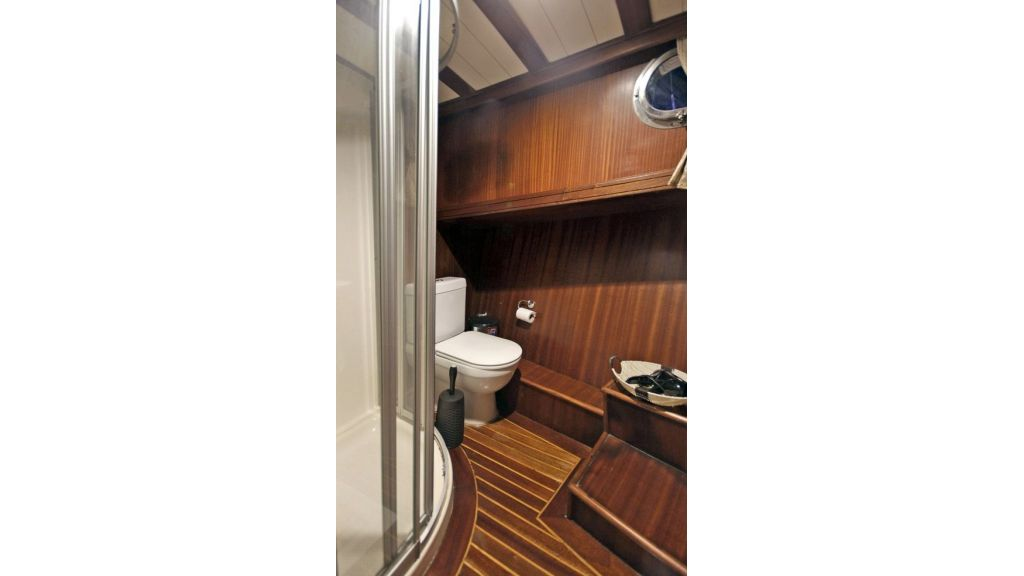 Five Cabins Transom Gulet (28)