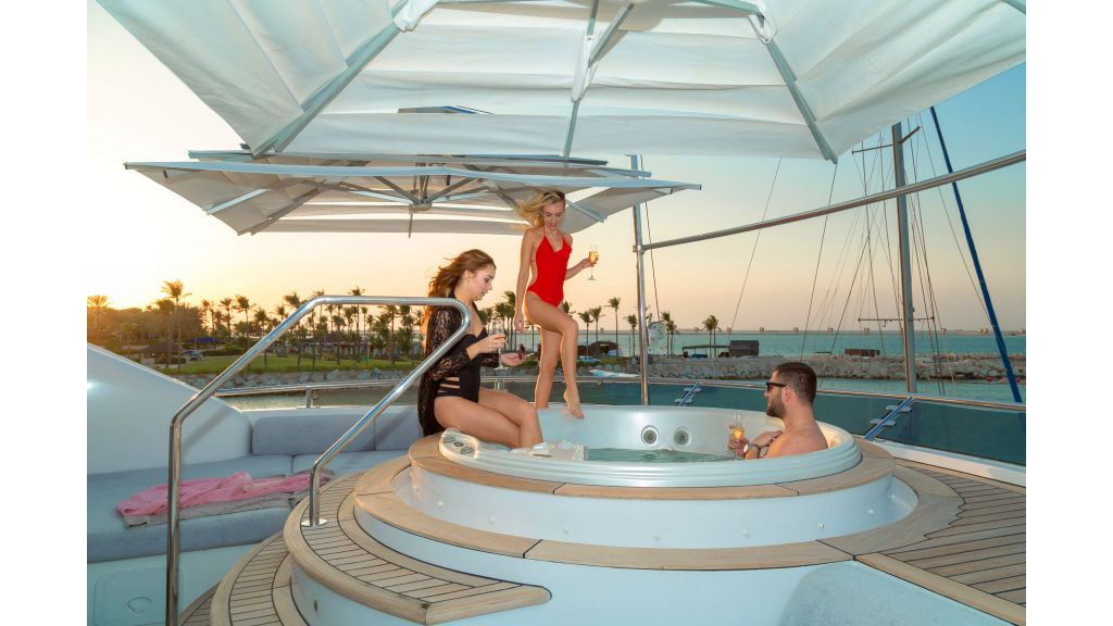 Motor Yacht Sensation Outer (5)