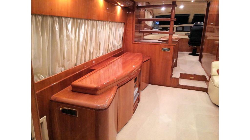 Custom Line Fiberglass GRP Motoryacht (11)
