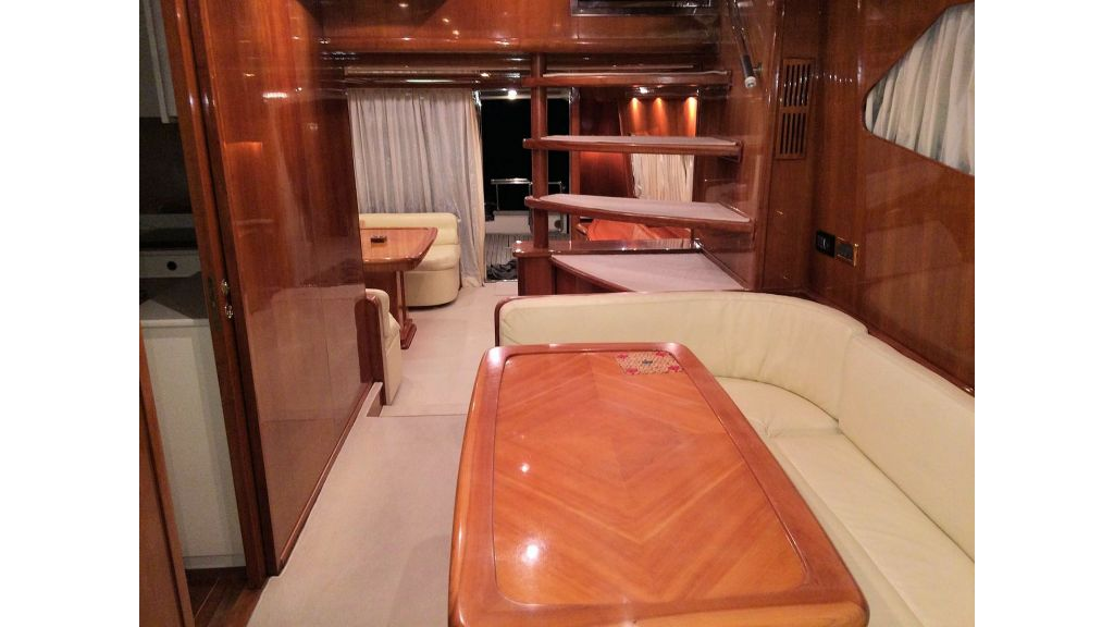 Custom Line Fiberglass GRP Motoryacht (12)