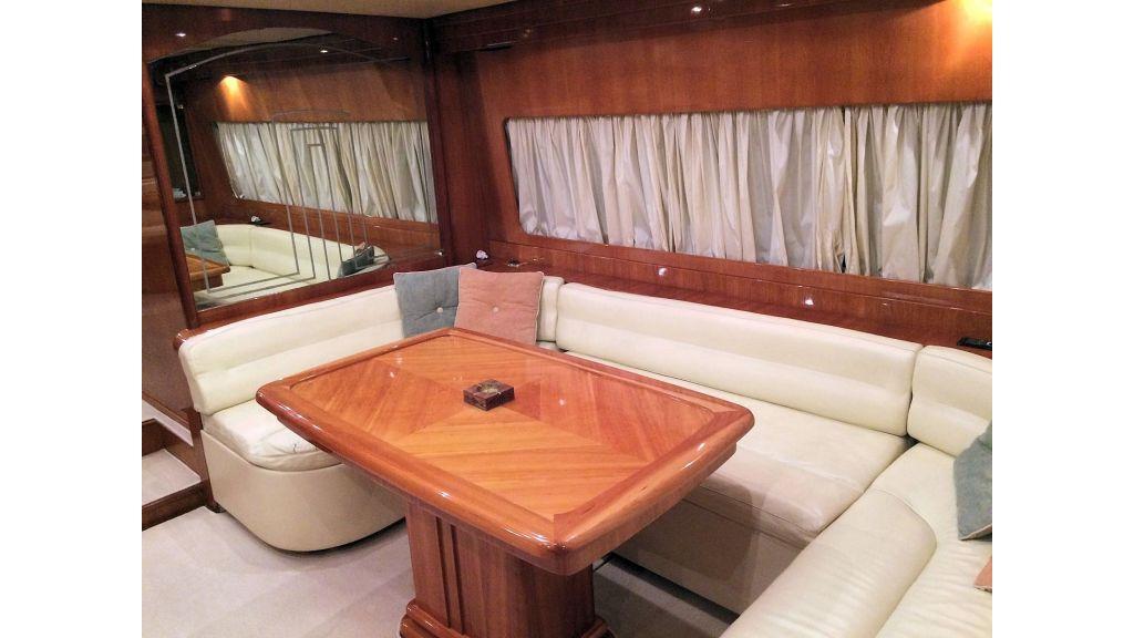 Custom Line Fiberglass GRP Motoryacht (9)