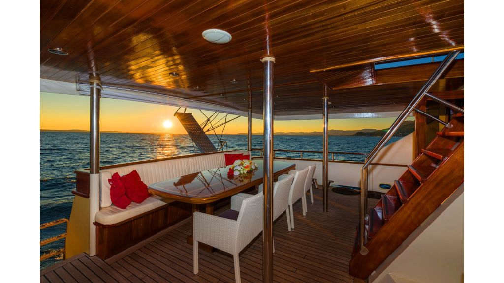 Korab Motoryacht Charter Croatia (22)