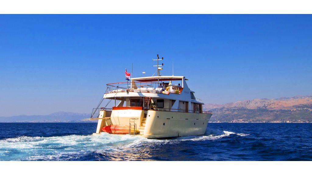 Korab Motoryacht Charter Croatia (5)