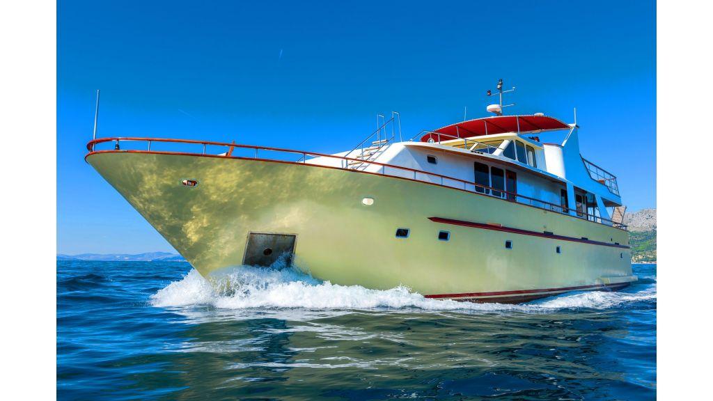 Korab Motoryacht Charter Croatia (8)
