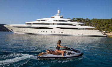 O'Ptasia Mega Yacht (11)