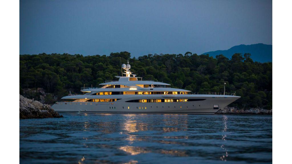 O'Ptasia Mega Yacht (111)