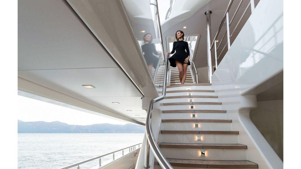 O'Ptasia Mega Yacht (25)