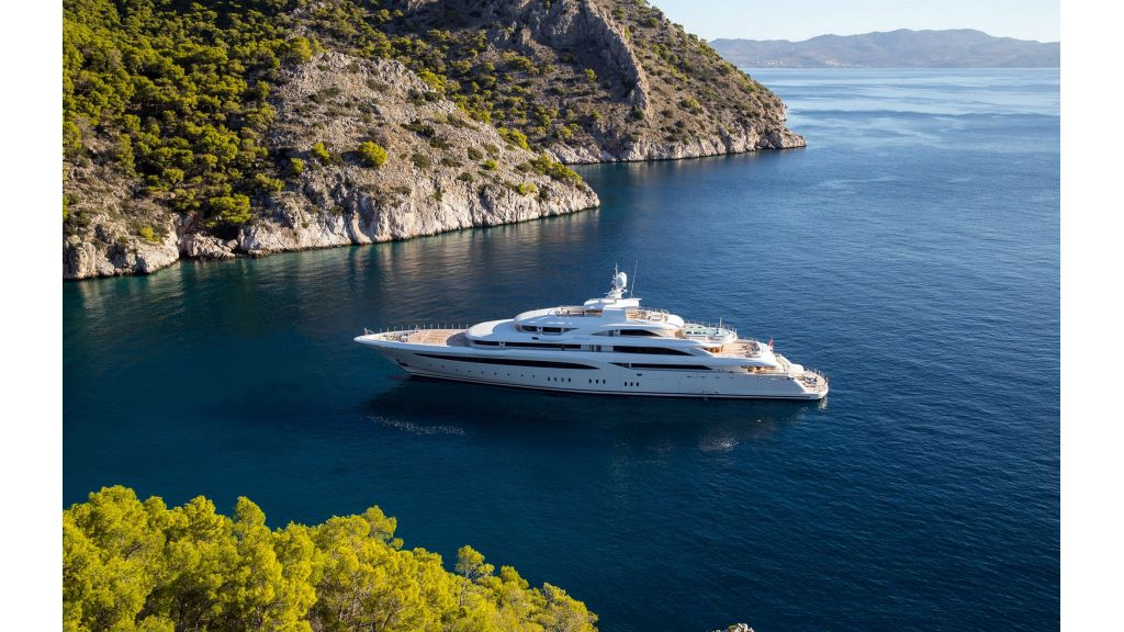 O'Ptasia Mega Yacht (28)