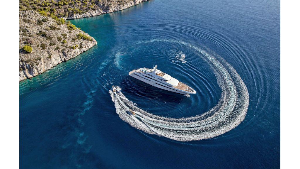 O'Ptasia Mega Yacht (32)