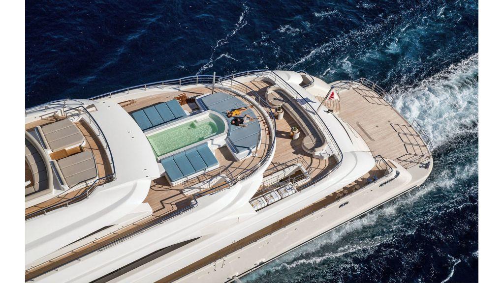 O'Ptasia Mega Yacht (34)