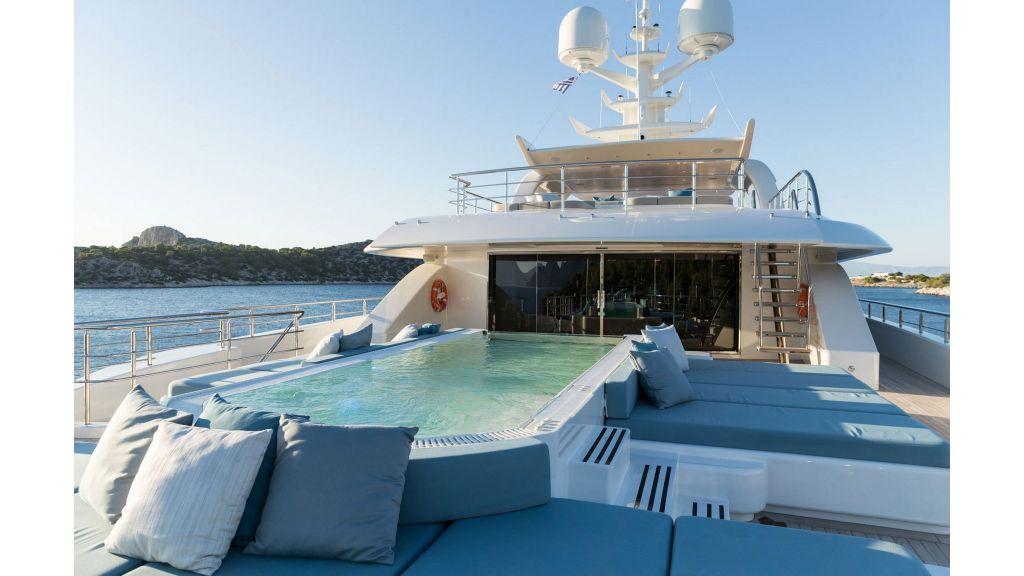 O'Ptasia Mega Yacht (44)