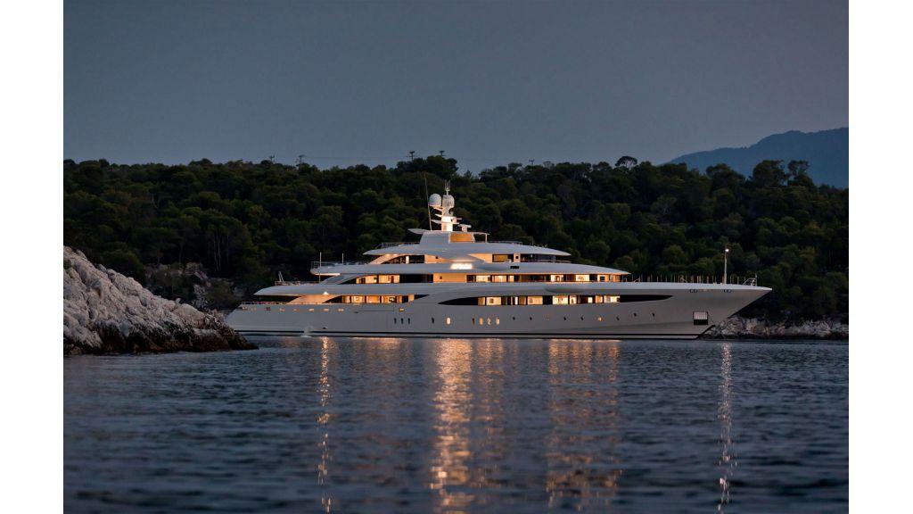 O'Ptasia Mega Yacht (47)