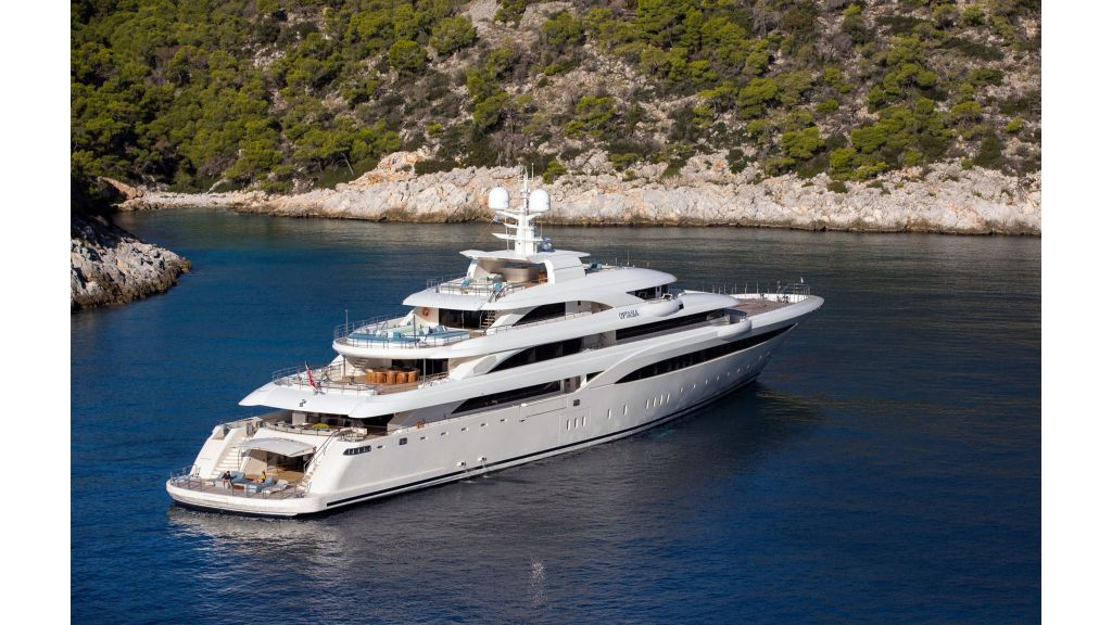 O'Ptasia Mega Yacht (72)