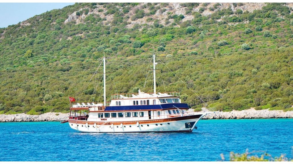 Love Boat (Ex. BB2),