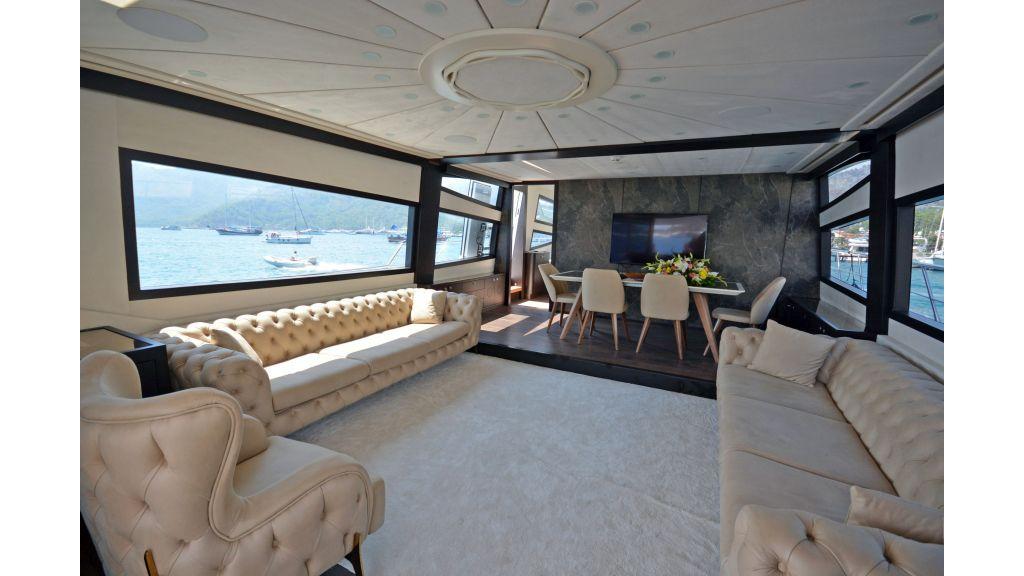 Richa 82 Motor Yacht (5)