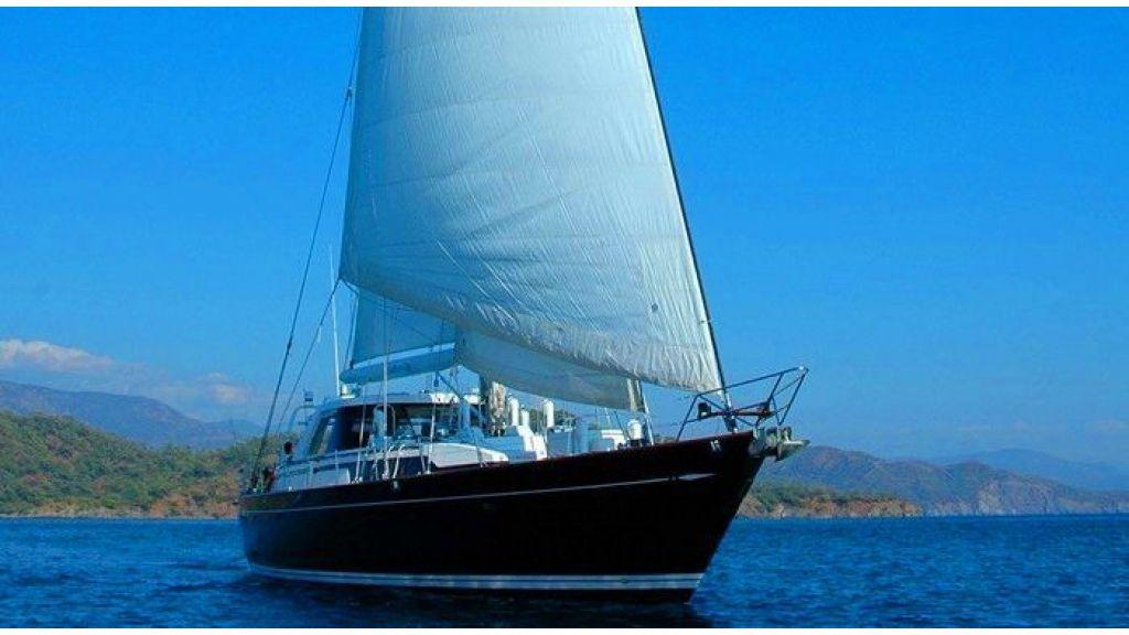 Sailing Yacht Southern Cross (4)