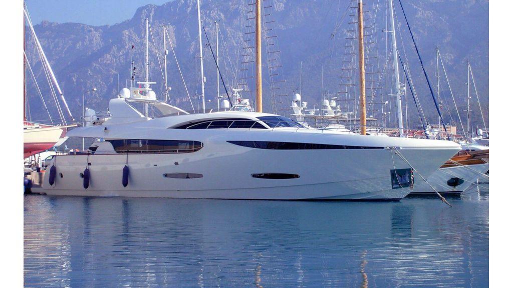 35m Custom Motoryacht (2)