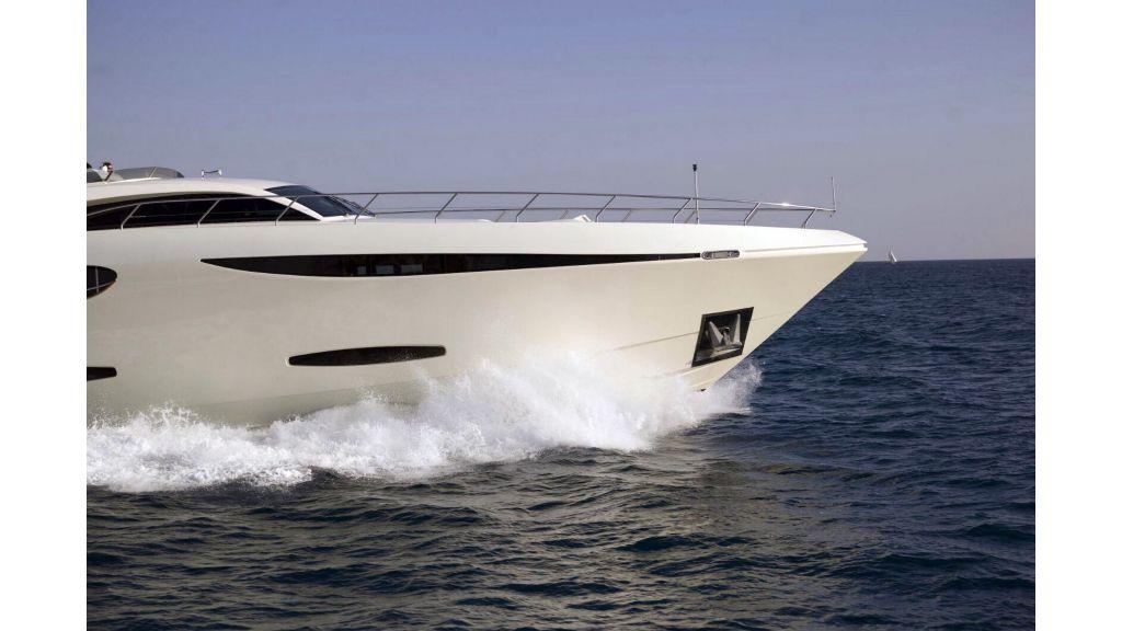 35m Custom Motoryacht (22)