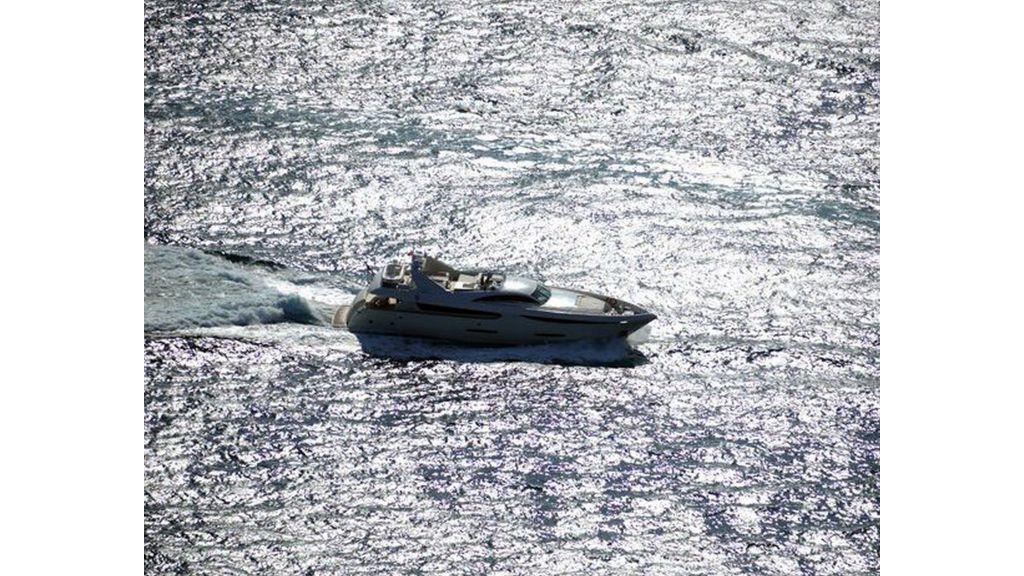 35m Custom Motoryacht (7)