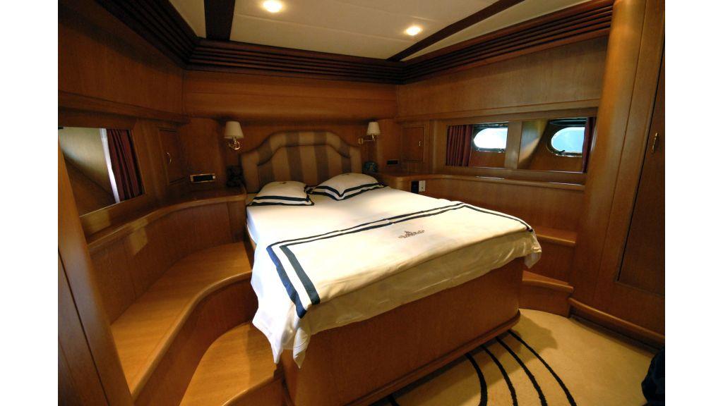 Custom Built 27m Motoryacht (15)