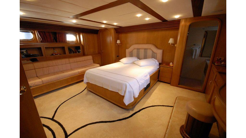 Custom Built 27m Motoryacht (2)