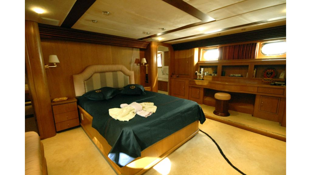 Custom Built 27m Motoryacht (21)